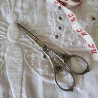 装飾がステキなお裁縫ハサミ