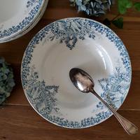 真っ白い鳩とお花のガーランドのスーププレート#2
