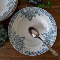 真っ白い鳩とお花のガーランドのスーププレート#1
