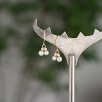 Baby akoya pearl dia hook earrings