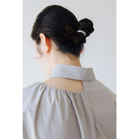 1. 〔plain〕Collar bone slit blouse【全額】