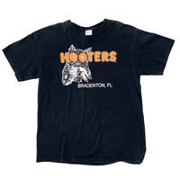 """ vintage ""  hooters print  t-shirt"