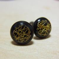 金糸と木のピアス ray ペアver