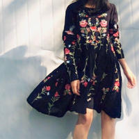 Flower Embroidery Vintage like Black Dress 送料無料