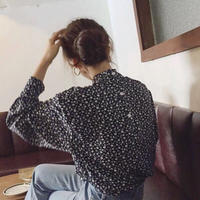 Back Button Floret pattern Blouse    送料無料