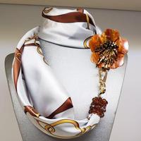 バルサンティ イタリア製スカーフネックレス(コサージュ) ラッキーホース