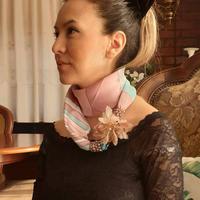 バルサンティ イタリア製 スカーフネックレス(コサージュ) ピンク