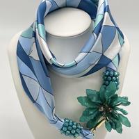 バルサンティ イタリア製スカーフネックレス(コサージュ) ターコイズ