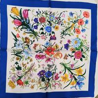 バルサンティ イタリア製コモシルクスカーフ フィオーレ ブルー 50x50