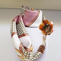 バルサンティ イタリア製スカーフネックレス(コサージュ) トスカーナホース