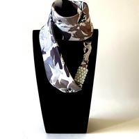 バルサンティ イタリア製 スカーフネックレス (ラインストーンフック)ビアンコクレマチス