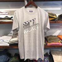 """【残り僅か】SH*T KICKER """"95"""" tee (Gray/RUGGED別注)"""