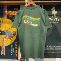 "【残り僅か】RUGGED ""L.S.Dean"" tee (Ivy Green)"