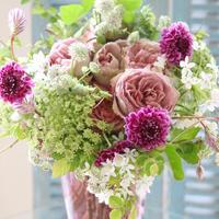 大人ピンクのバラの花束