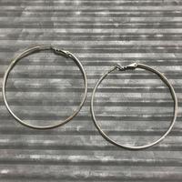 hoop pierce (L)