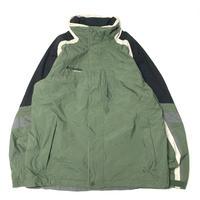used 90's Columbia Nylon Jacket