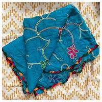 ブルー刺繍ストール