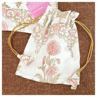 オーガニックコットン&プリントの白とピンクのお花の巾着大