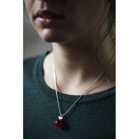 Happy Sthlm_Apple Necklace Red