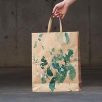 [ 染めの足跡紙バッグ - 紙袋 ]  color :茶×緑と影