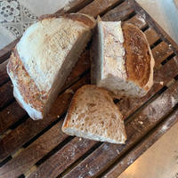 サワー種のストウブ全粒パン