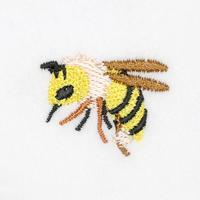 3_26ミツバチ