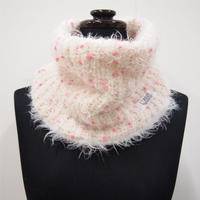 PomPons fur snood < White×Pink pompons >