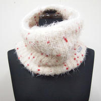 PomPons fur snood < White×Red pompons>