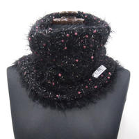 PomPons fur snood < Black×Pink pompons >