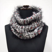 PomPons fur snood < White×Red pompons >