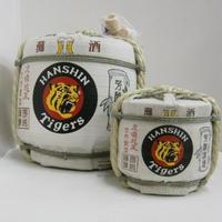 白鷹 阪神タイガース生もと本醸造菰樽(菰冠) 1800ml+300ml 各1本
