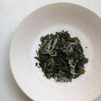 No307 煎茶 よもぎと柿の葉のブレンド