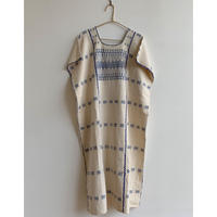 pips ropa / plainly woven cotton Amuzugo huipil   ( blue  )