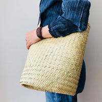 pips  / palm leaf drum bag  with natural  leather handle
