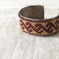 ishi  jewelry / Huichol beads silver bangle