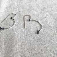 cinq / Balance   earring / silver