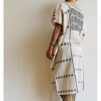 pips ropa / plainly woven cotton Amuzugo huipil  ( black )