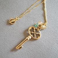 テイラーの鍵ネックレス