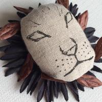 ライオン ブローチ