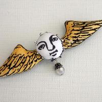 翼ブローチ  黄色