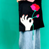 cutout tote bag/flower & hand