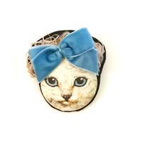 カーリーヘア猫ブローチ(白ねこ)