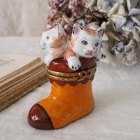 リモージュボックス ブーツに入ったネコ