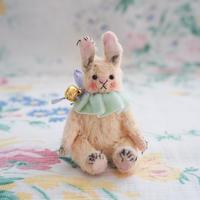 小さなウサギさん