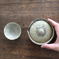 山崎さおり 宝瓶(炭化粉引)
