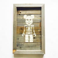 vintage wood board  [scull brick]