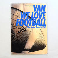 THE FOOTBALL PLAYBOOK VAN WE LOVE FOOTBALL