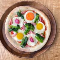 旬菜園の彩りピザ