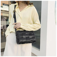 【即納】square shoulder bag