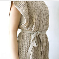 【just/1500】 cable knit vest(ivoryのみ)
